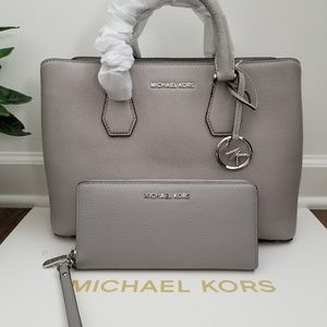 New Michael Kors Bag with Wallet